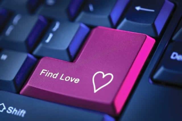 Buscar novia o novio por internet