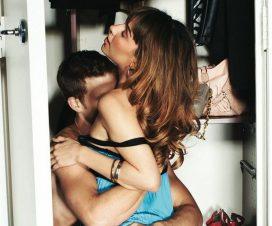 como tocar a una mujer mientras la besas