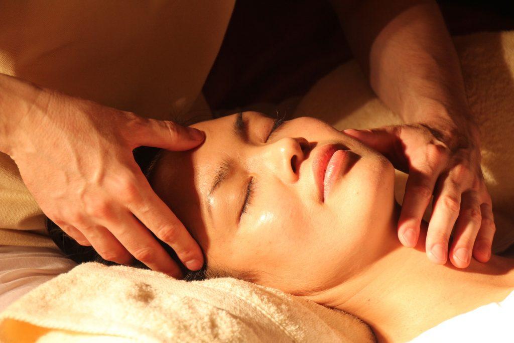 ¿Qué es el masaje tántrico