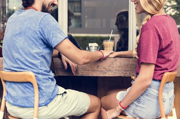 cómo vestirse para una cita